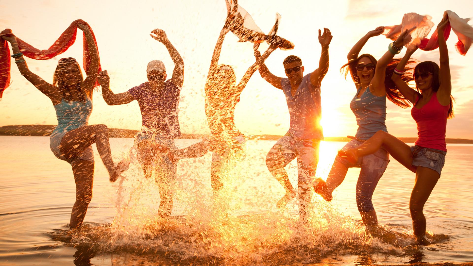 Beach girls party — 1