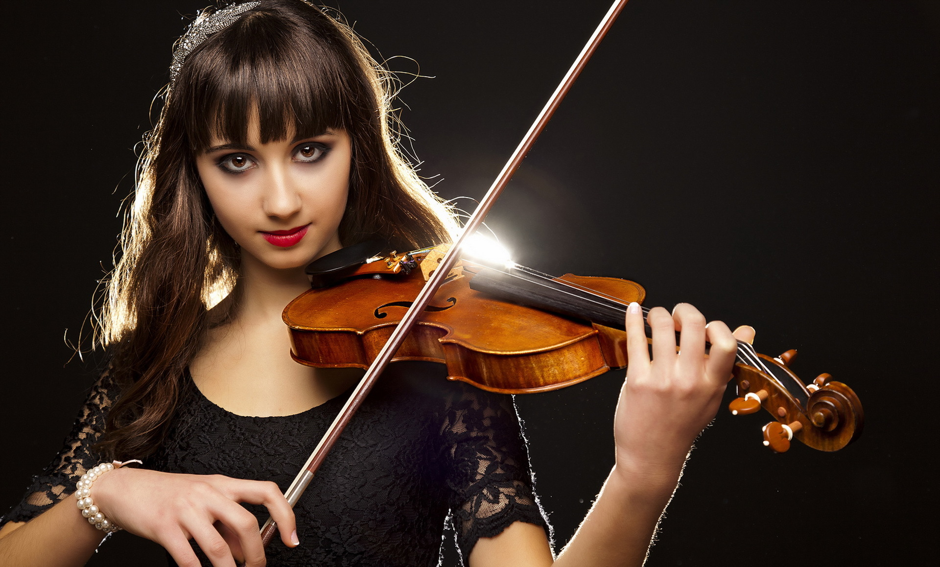The Magic Violin Mayra Calvani KC Snider on Amazoncom FREE shipping on qualifying offers Eightyear old Melina wants to become a good violinist When she