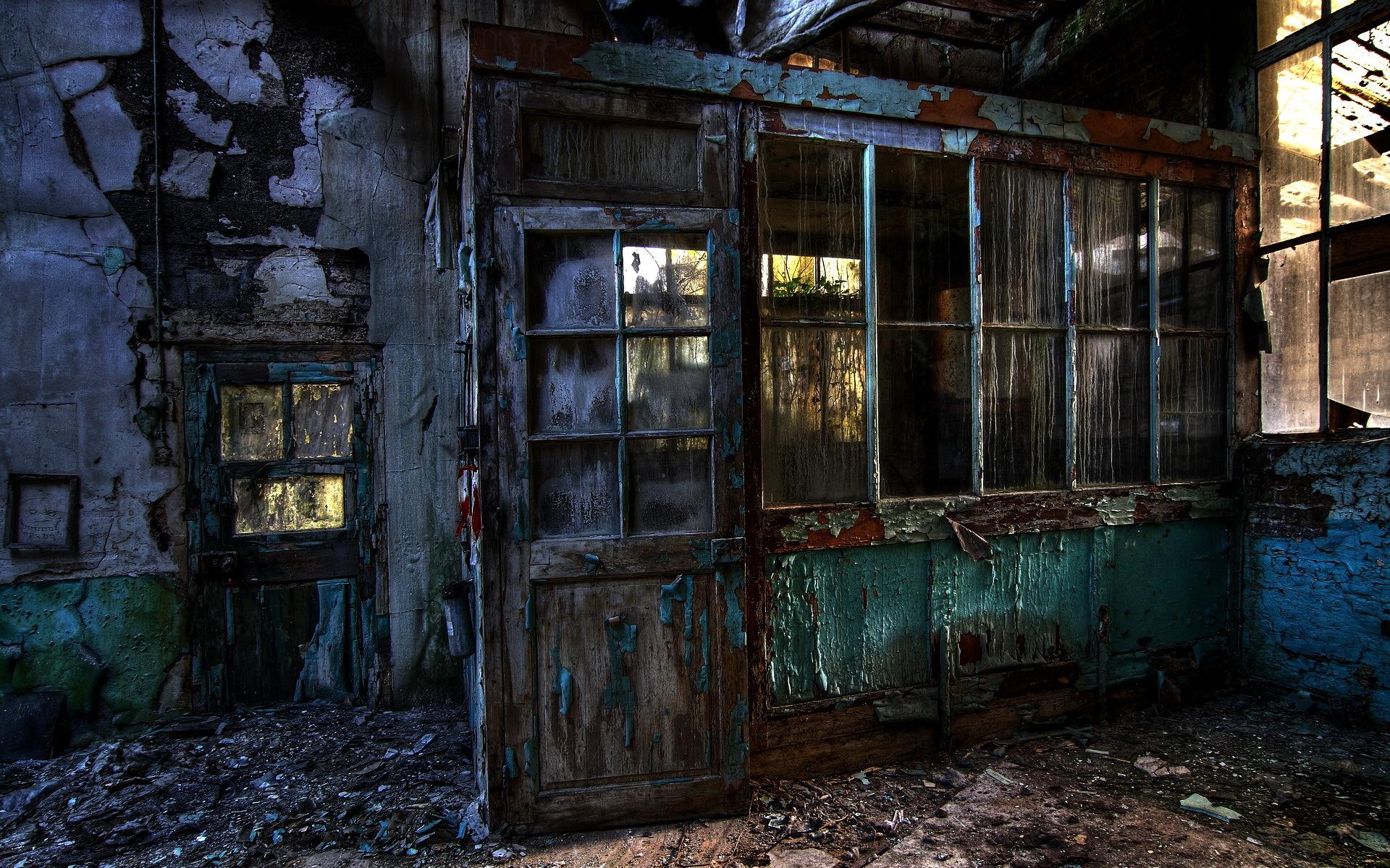 заброшенный дом двери окна коридор  № 2195388 загрузить