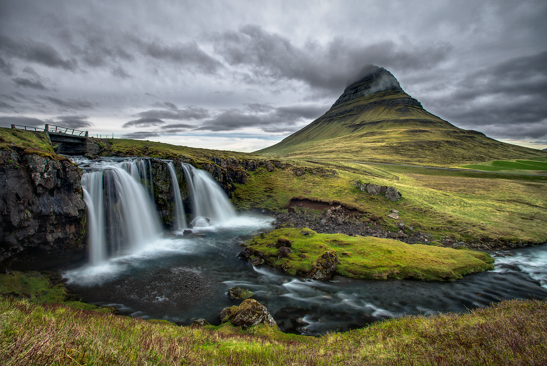 Водопад горы небо  № 5295 бесплатно