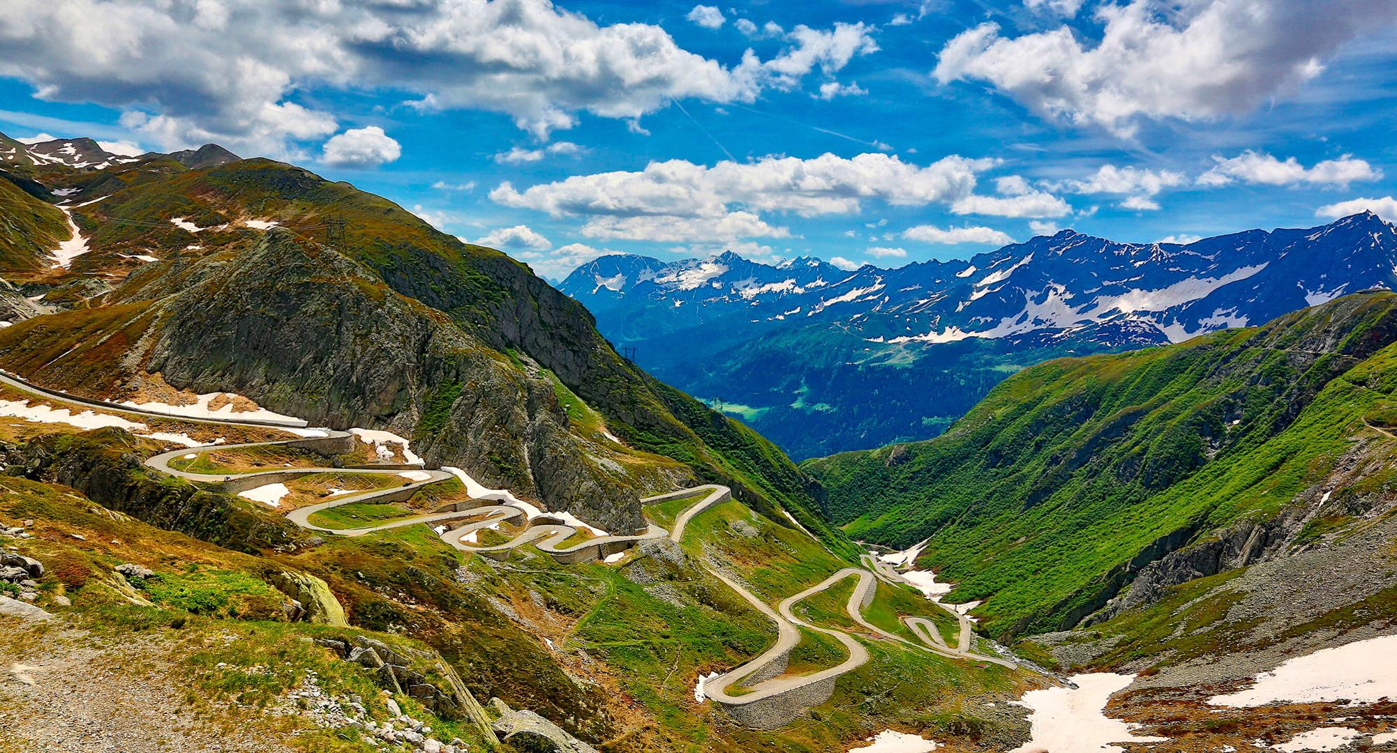Mercedes дорога серпантин горы небо  № 2383271  скачать