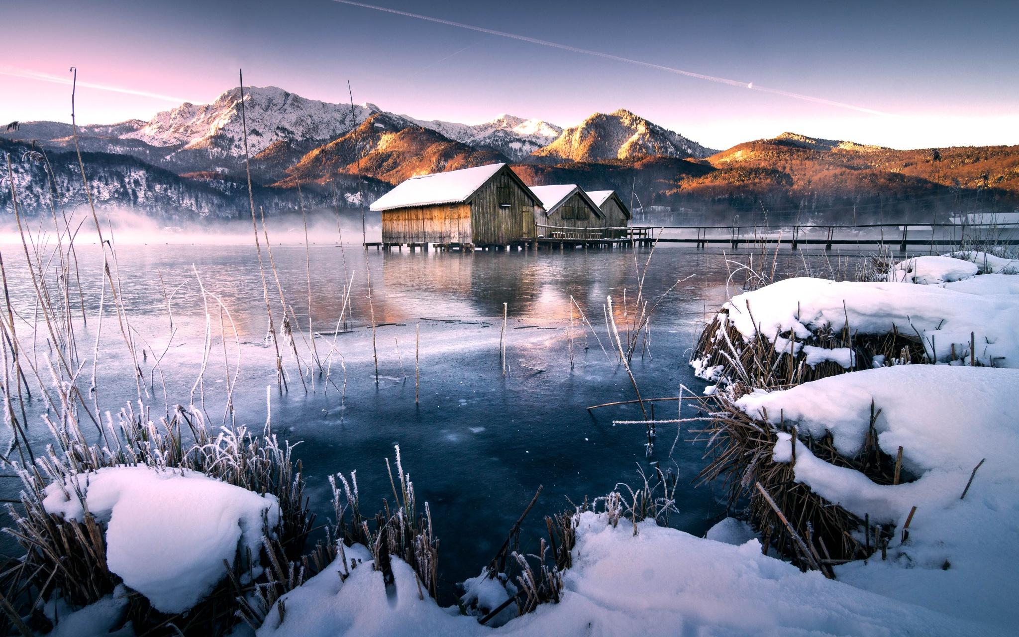 обои на рабочий стол зима в горах с озером № 201953 бесплатно