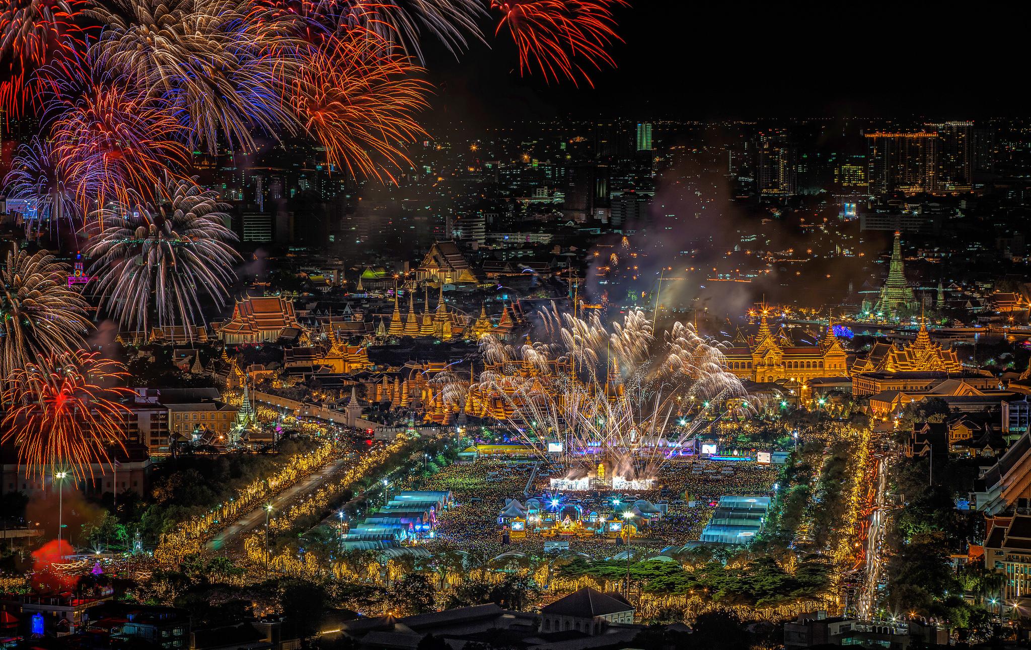 Night lights holiday - Download Wallpaper Night Lights Holiday Salute Panorama Thailand Fireworks Bangkok Section Resolution 2048x1292