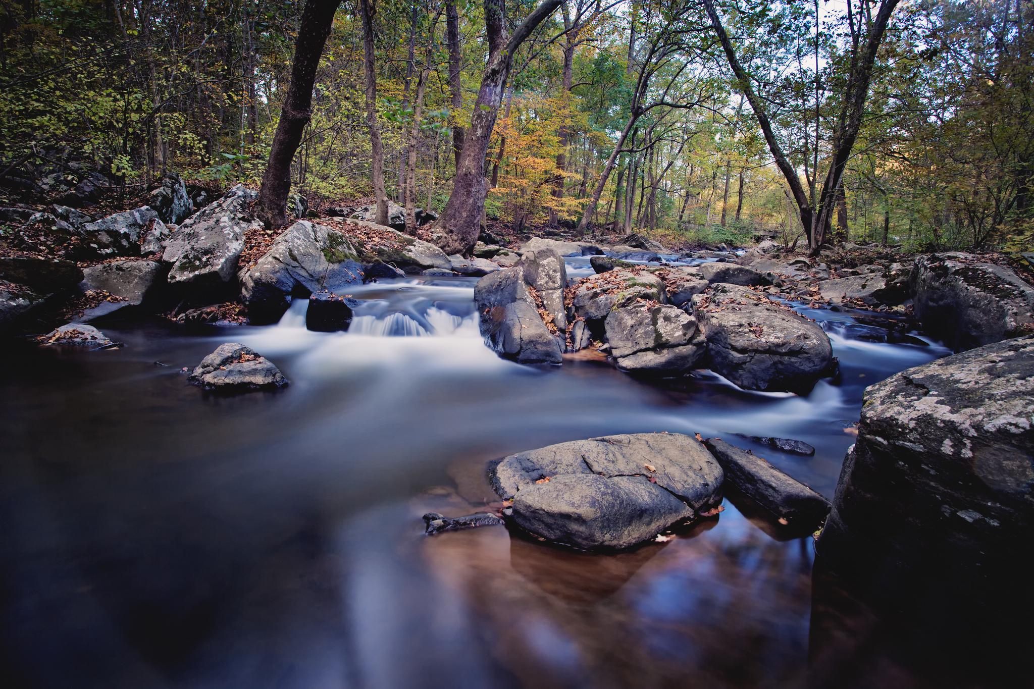 Река в камн  № 2387244  скачать