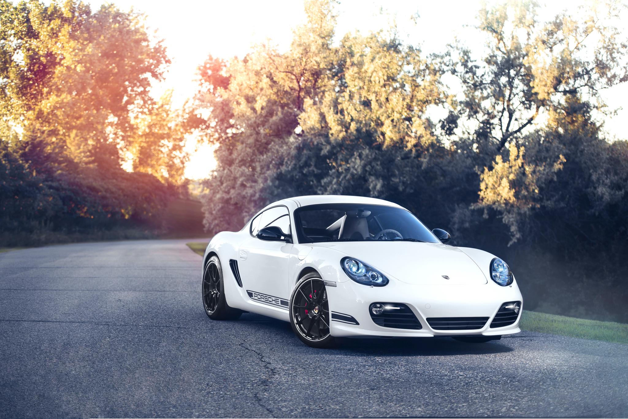 белый автомобиль спортивный porshe  № 637749 бесплатно