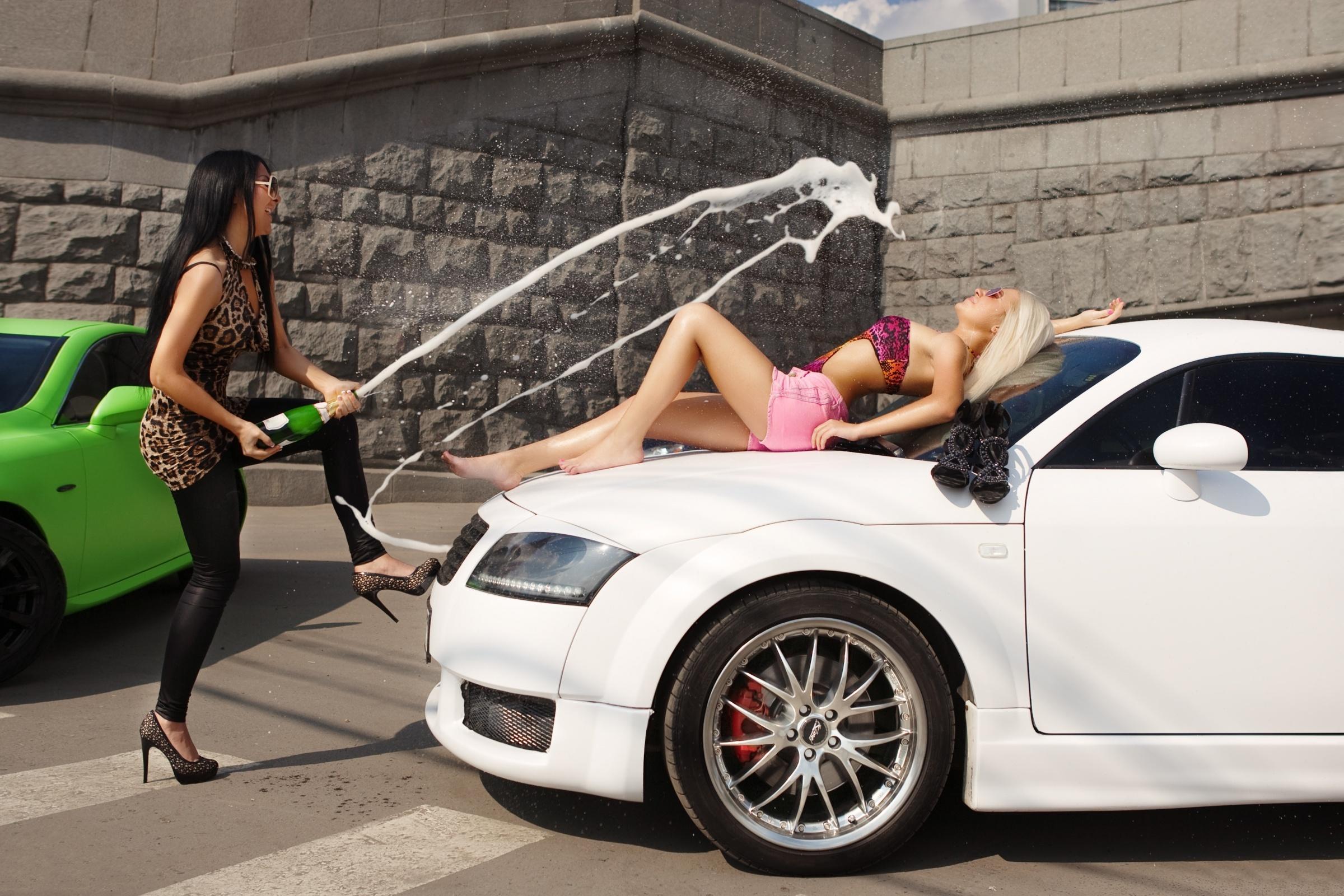 Картинки девушки и авто прикольные, февраля