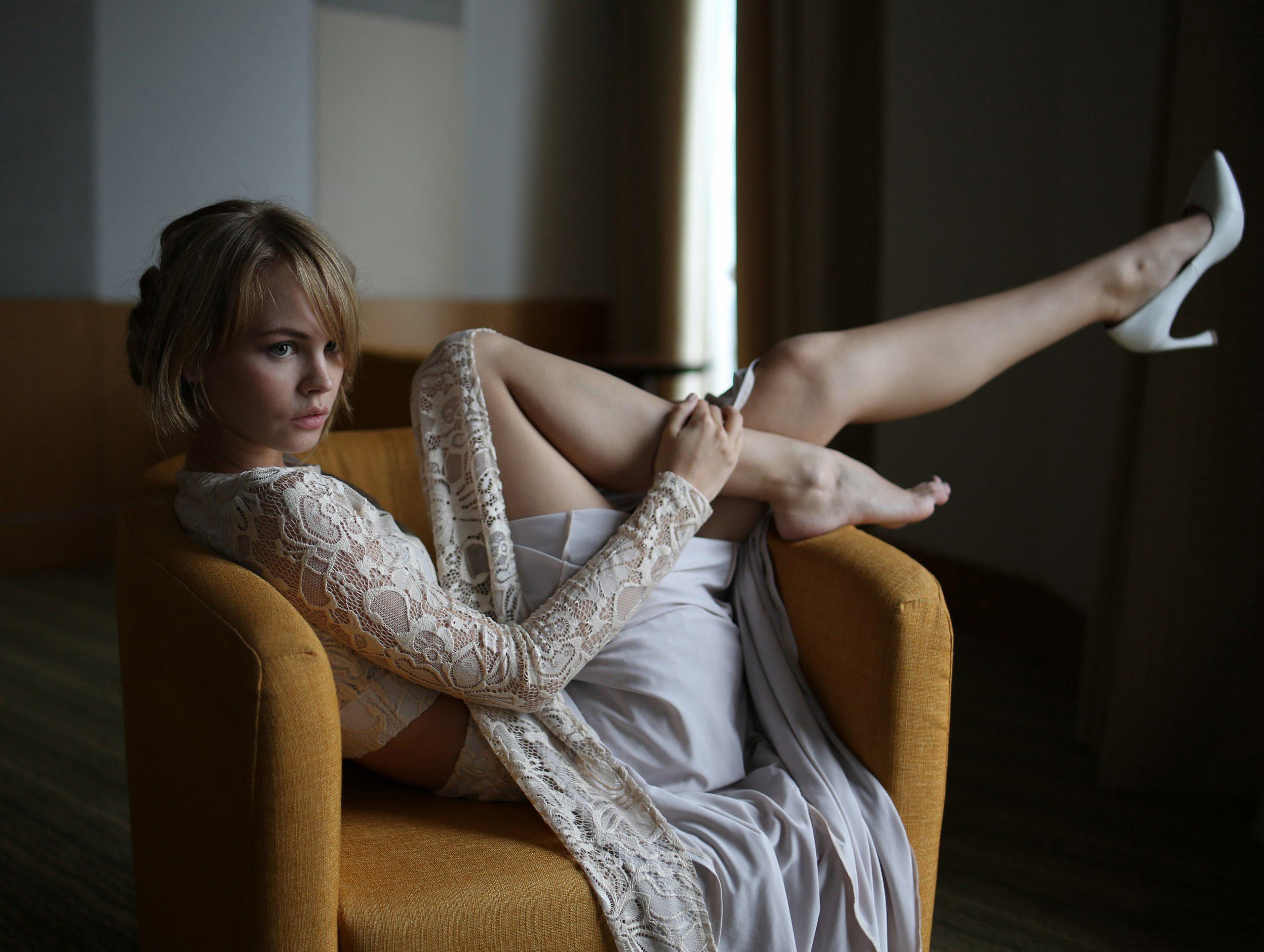 Юная Блондинка - смотреть порно онлайн