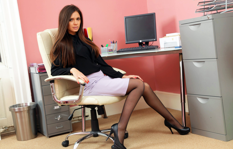девушки используют вставив секретарши фото порно
