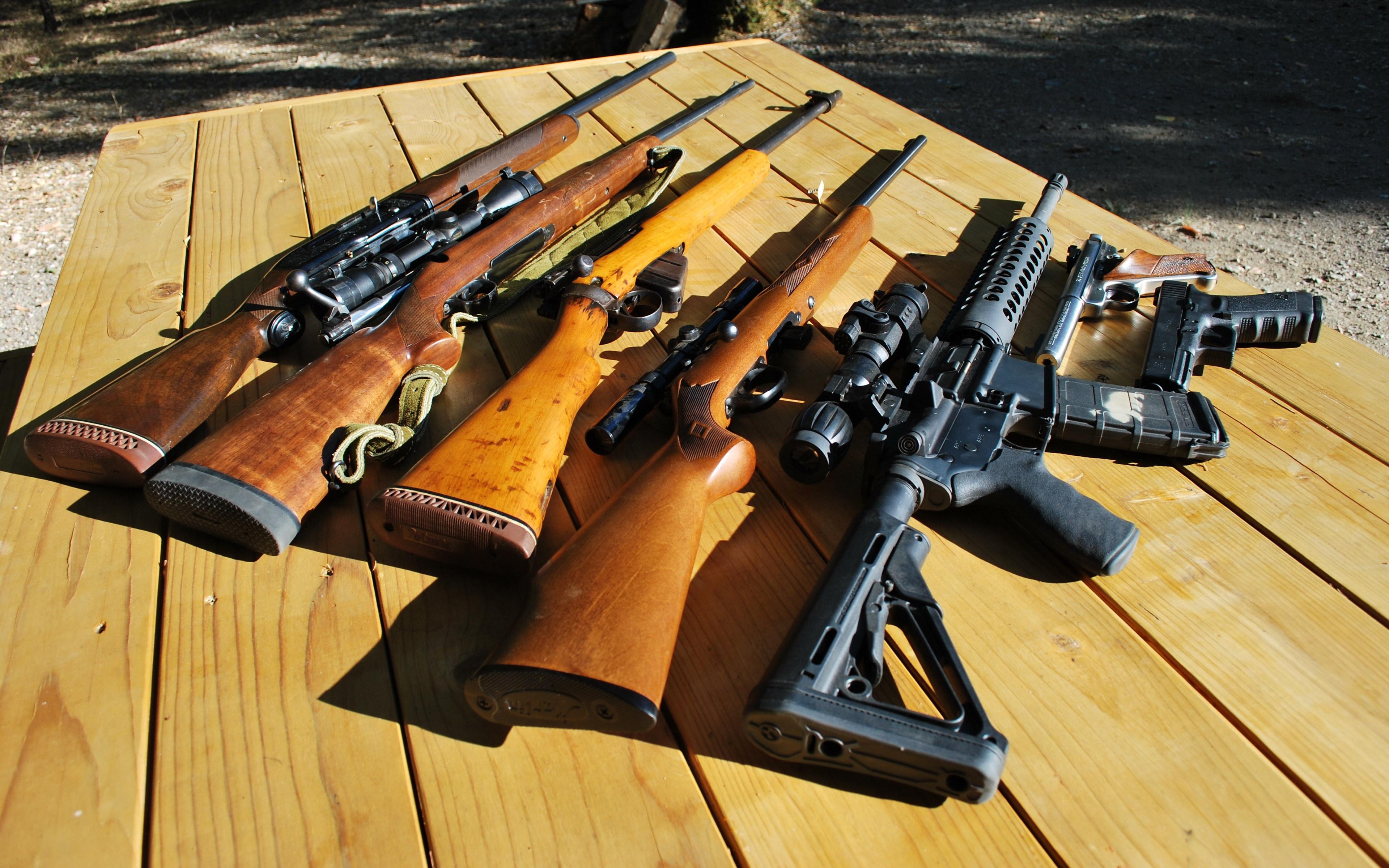 обои для стола машины и оружие № 634888 бесплатно