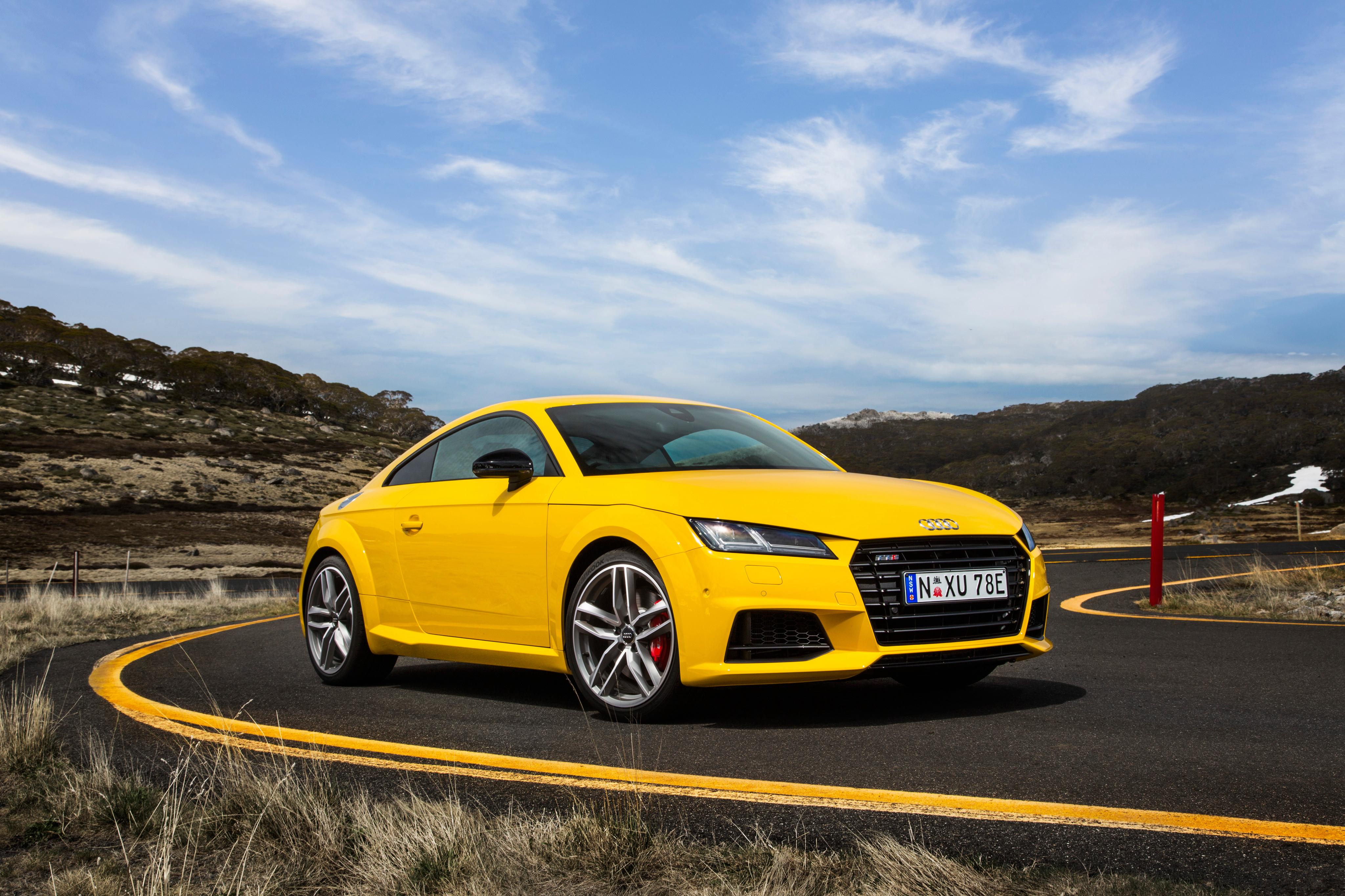 Audi TT спорткар дорога  № 3769122 загрузить