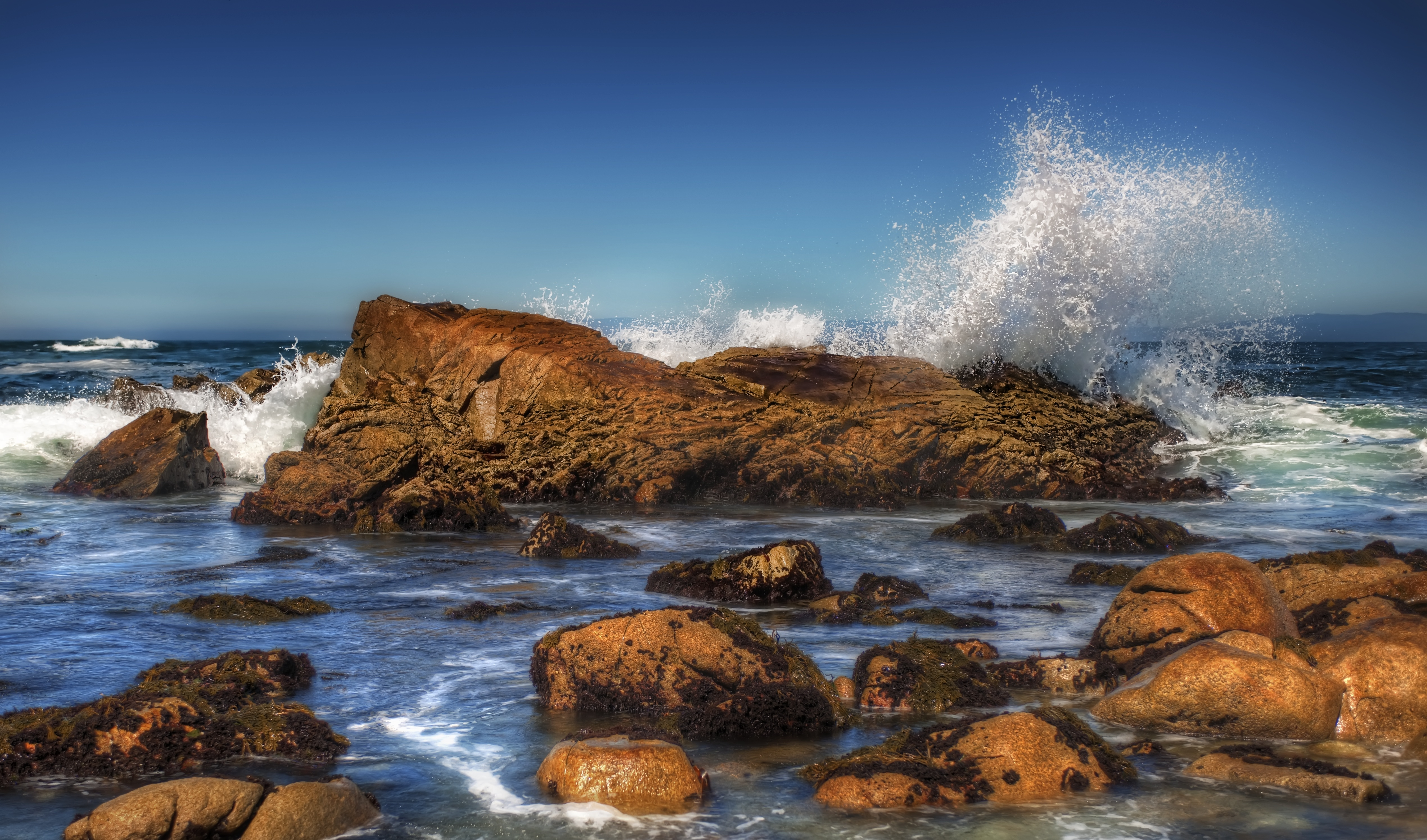 брызги вода море камень  № 2149703 без смс