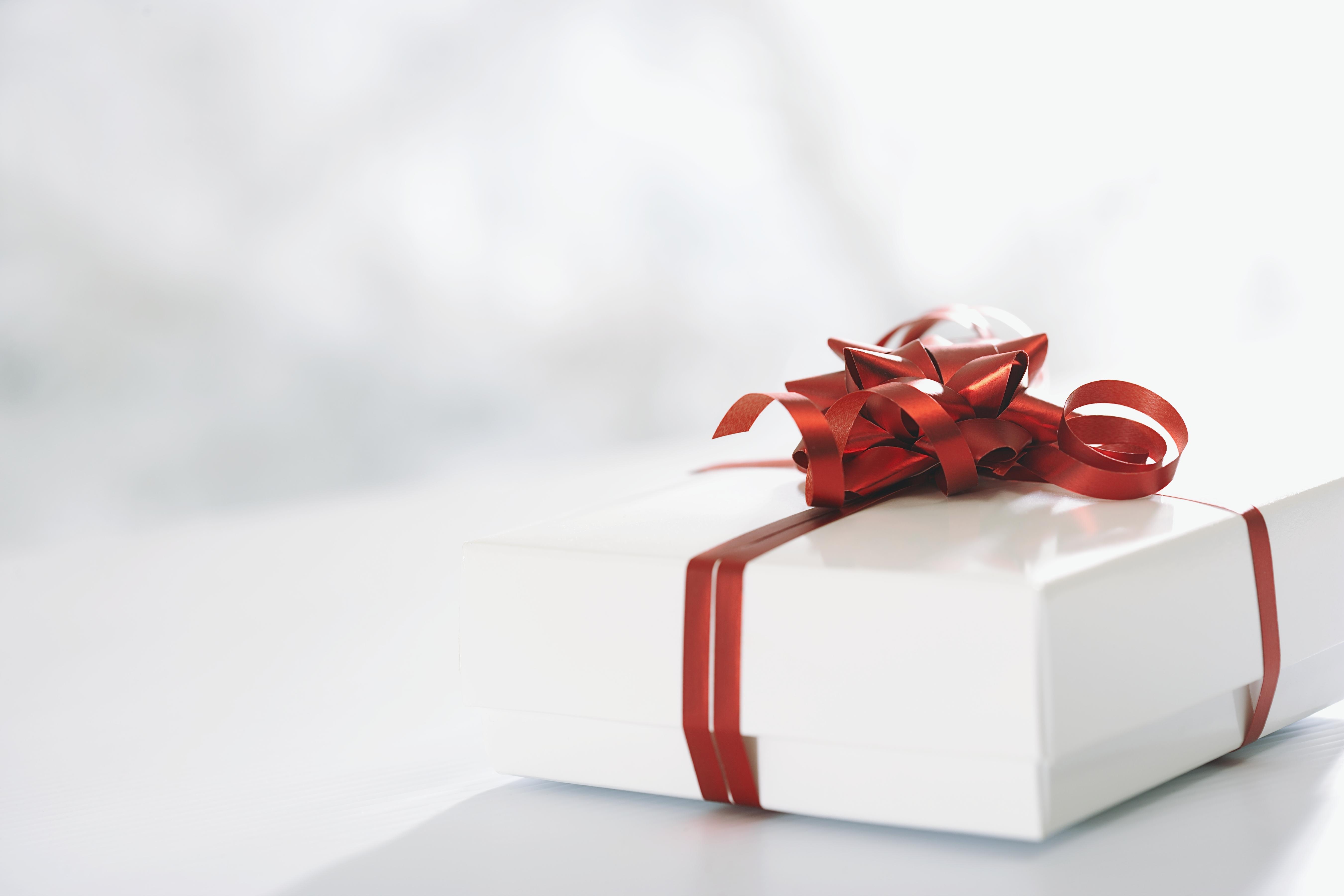 Находим подарки для всех. Предложим, что подарить парню ...