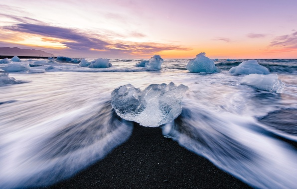 Picture shore, ice, morning, Iceland, the glacial lagoon of Jökulsárlón