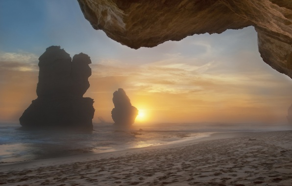Picture sea, beach, fog, rocks, morning