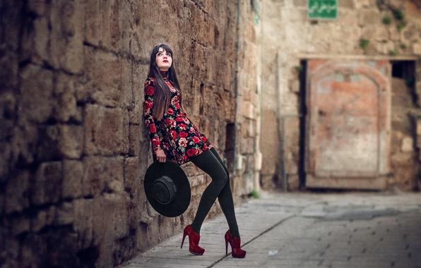 Picture girl, wall, hat, dress, shoes, legs, bokeh, Che Nai