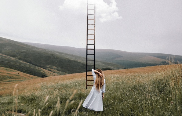 Picture the sky, girl, ladder