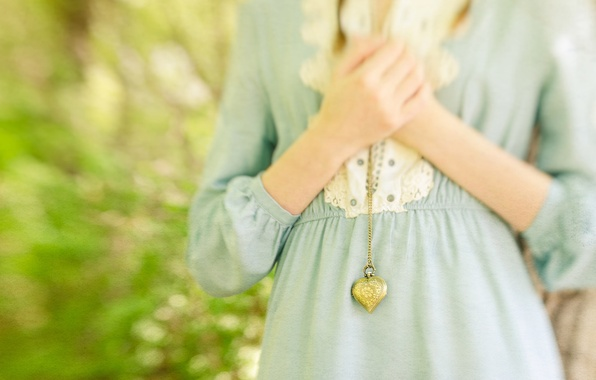 Picture heart, hands, bokeh