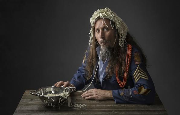 Picture man, humor, form, Captain Spaghetti