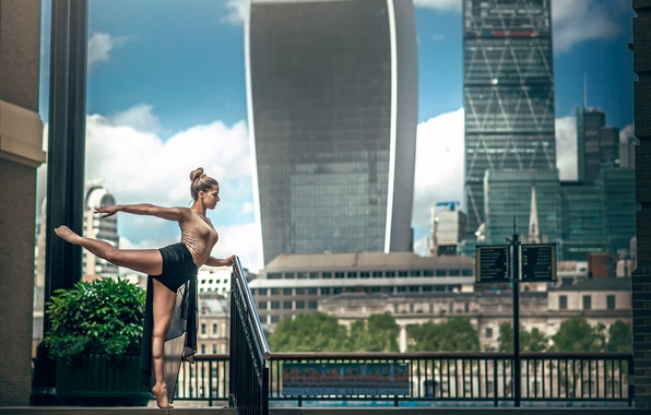 Picture the city, London, dance, ballerina, Marine Fauvet