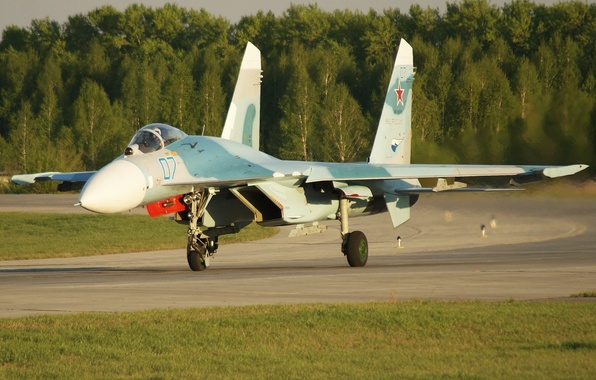 Picture fighter, the airfield, the rise, Su-27