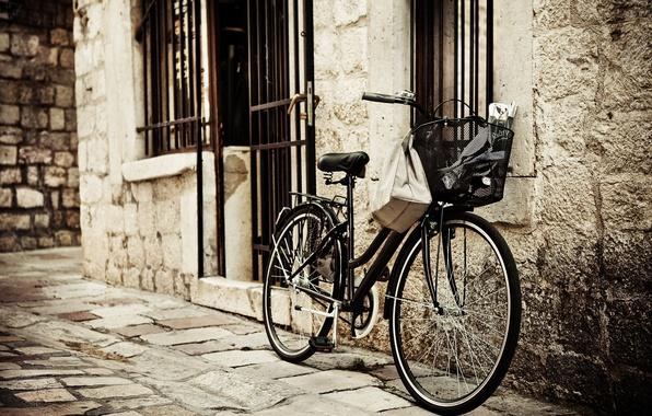 Picture bike, the city, background, Wallpaper, street, basket, mood, wheel, bricks, basket, widescreen, full screen, HD ...
