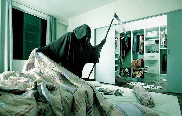 Picture Death, Apartment, Hide and seek