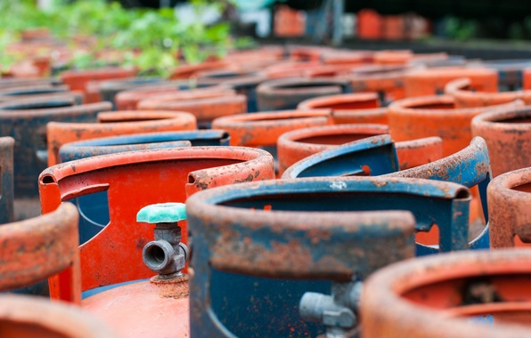 Picture colors, metal, rust, metal bottles, gas pipes