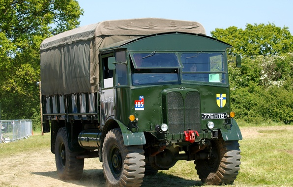 Picture car, military, British, WW2, artillery tractor, AEC Matador