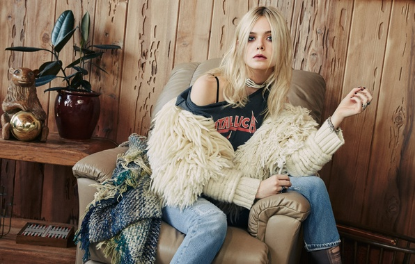 Picture model, jeans, actress, t-shirt, blonde, vase, plaid, jacket, sitting, table, photoshoot, in the chair, 2015, …
