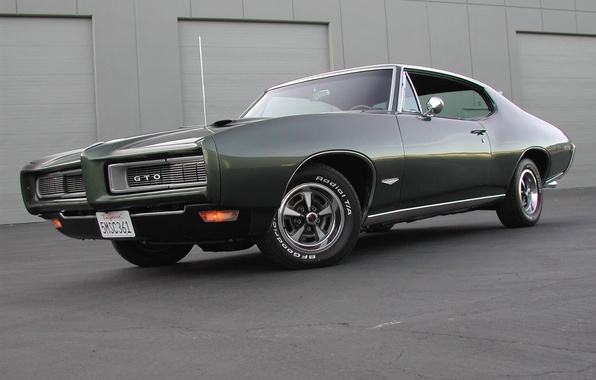 Picture the building, 1969, muscle car, muscle car, pontiac, Pontiac, gto, TRP, dark green, dark green
