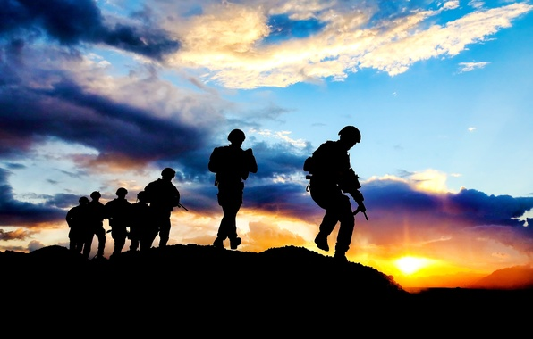 Picture the sky, the sun, clouds, sunset, mountains, weapons, the evening, soldiers, silhouettes, equipment