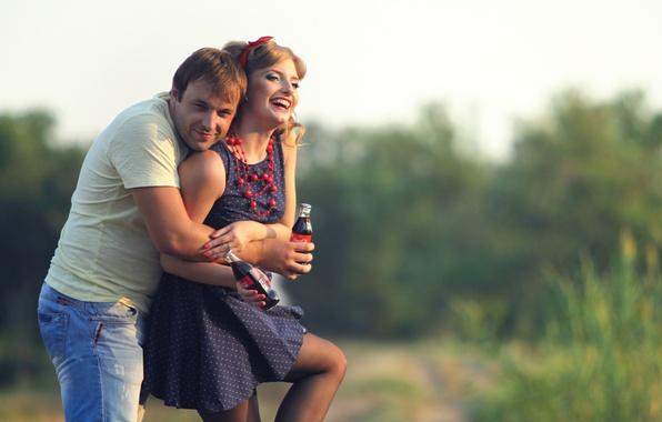 Picture joy, nature, woman, hugs, pair, male, bottle, drink, lovers, Coca-Cola, bokeh