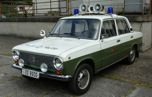 Picture Police, VAZ, GDR, Lada 1200S, The people's police