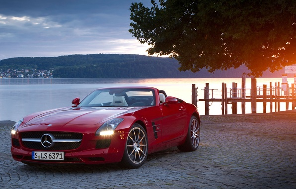 Picture coupe, convertible, SLS, roadster