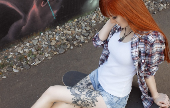 Picture girl, shorts, sneakers, Mike, tattoo, red, girl, shirt, legs, skate, model, Alice Osokin