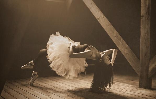 Picture girl, Sepia, ballerina, levitation, attic