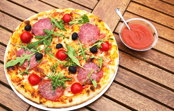 Picture greens, pizza, tomatoes, sauce, tomatoes, sausage, pizza, cheese, tomato, sausage, sauce