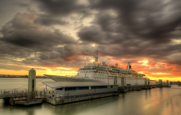 Picture sunset, Liverpool, MV Boudicca