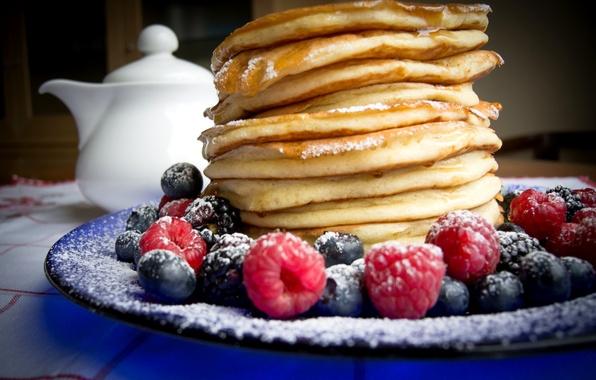 Picture berries, raspberry, blueberries, sugar, BlackBerry, blueberries, pancakes, powder, pancakes