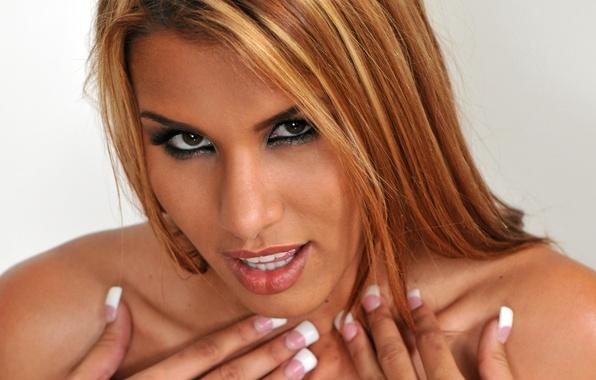 Anita blonde фото