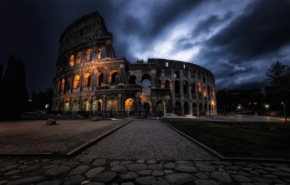 Picture night, the city, Dark Coliseum