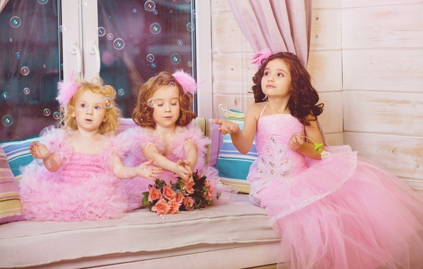 Picture children, girls, tenderness, roses, window, bubbles, bubbles, the beauty, beauty, girls, beauty, window, Princess, roses, ...