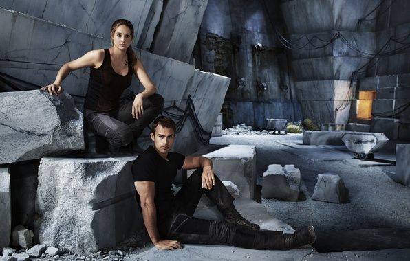 Picture the role, Theo James, Shailene Woodley, Divergent