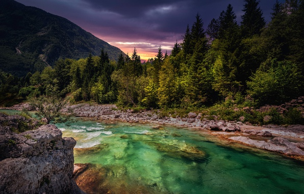 Picture the sky, mountains, river