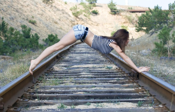 Picture ass, girl, pose, hair, shorts, rails, Mike, sleepers