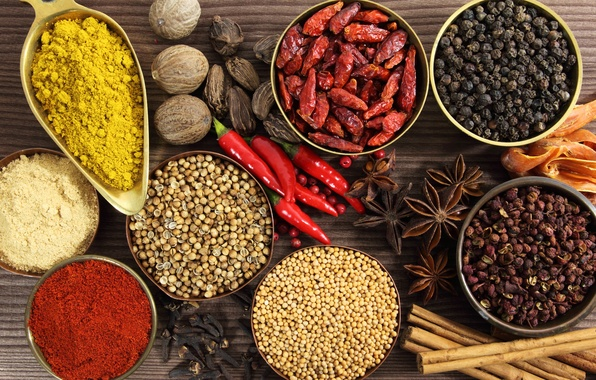 Picture table, plates, cinnamon, spices, star anise, black pepper, red pepper, curry