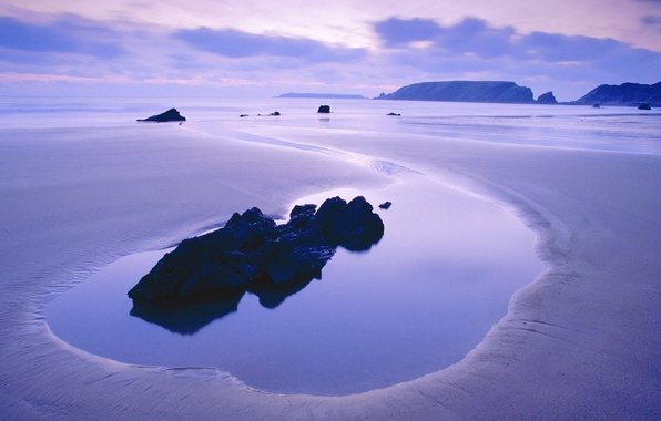 Picture sea, the sky, water, clouds, sunset, stones, rocks, lilac, calm, silence, color, the evening
