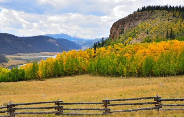 Picture field, autumn, the sky, grass, trees, mountains, river, the fence, valley
