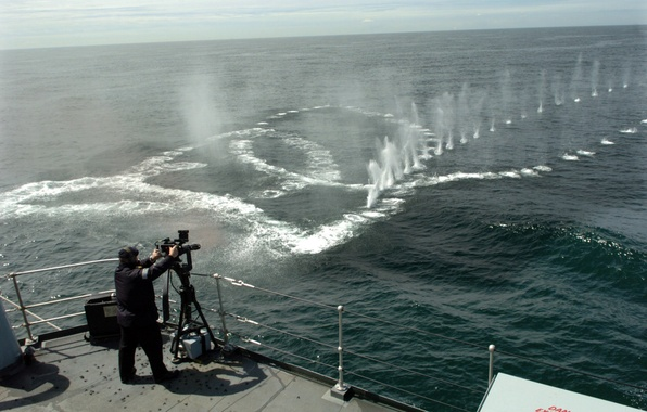 Picture ship, deck, shots, machine gun, water
