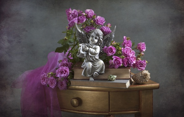 Picture table, roses, angel, shell, figurine